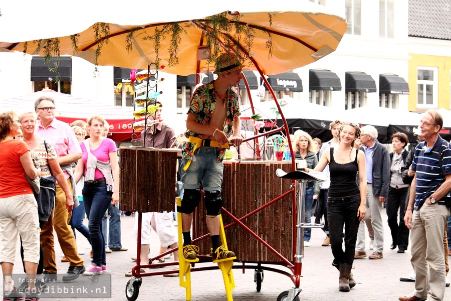 2014-07-11 Theater Gajes - De Parasols (Deventer Op Stelten) 001